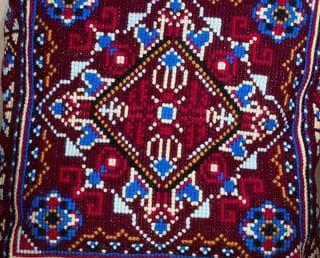 подушка вышитая крестом
