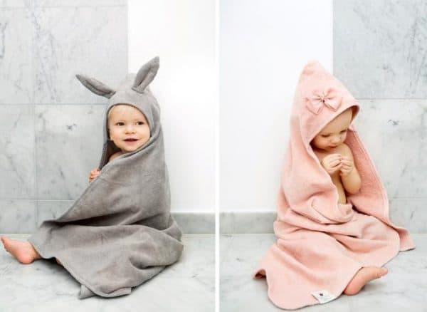 малши в полотенцах с уголком