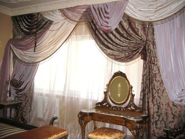 австрийские шторы для зала