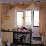 Как подобрать шторы на окно с балконной дверью
