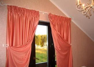 виды занавесок для окна с балконной дверью