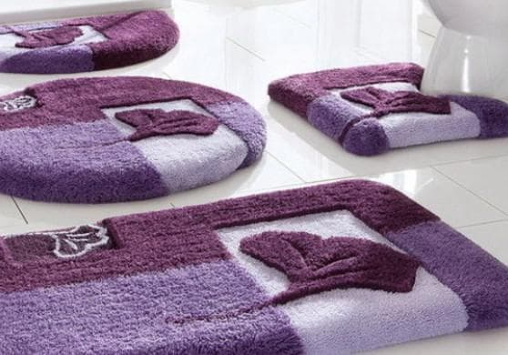 вязаные коврики в ванную комнату