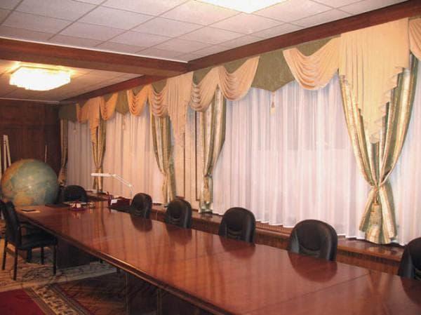 шторы с тафты в классическом стиле