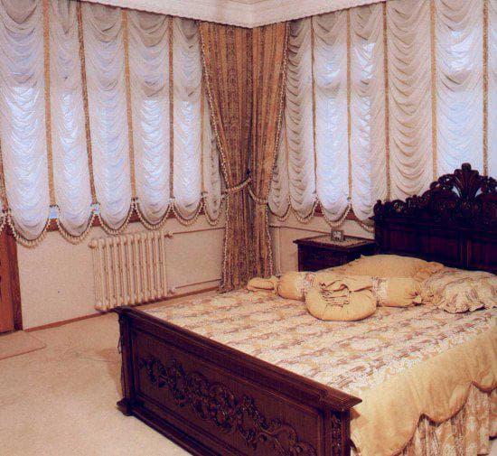 греческие шторы для спальни