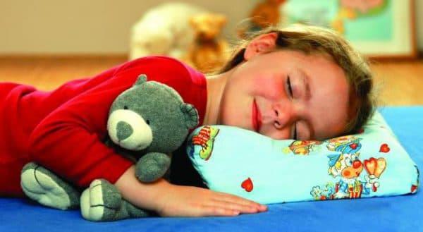 детские подушка с рисунками от Икеа