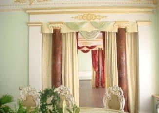 декоративные шторы на дверной проём в Римском стиле