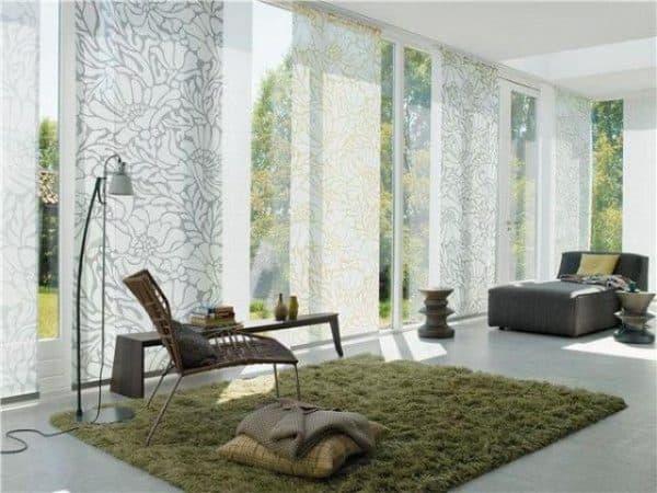 прямые и ровные шторы в гостиную