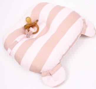 подушка долгое время удерживает форму головы ребёнка