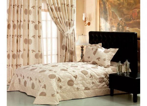 комплект шторы и покрывало для спальни