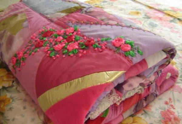 лоскутные одеяла в стиле пэчворк красного цвета