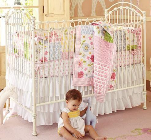 бампер в кроватку для новорожденных для развития маторики