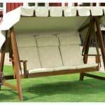Из каких материалов шьют подушки для садовой мебели