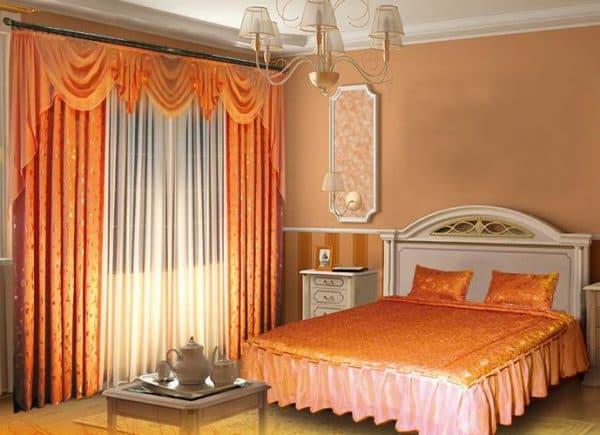 комплект шторы и покрывало для спальни классический