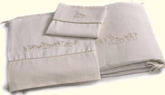 бампер в кроватку для новорожденных с вышивкой