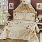 Виды комплектов штор и покрывал для спальни