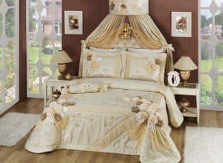 комплект шторы и покрывало для спальни красивые
