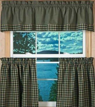 шторы на маленькие окна их трёх компонентов