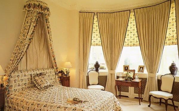 шторы кремового цвета с коричневой каймой