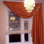 шторы в спальню на маленькое окно