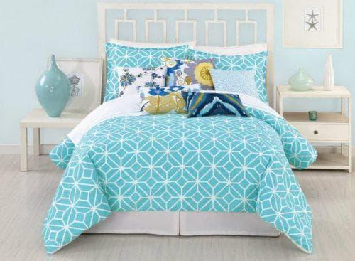 бирюзовое покрывало на кровать