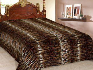 покрывало на кровать из искусственного меха