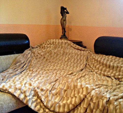 покрывало на кровать из шиншиллы