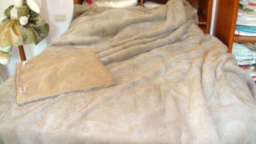 покрывало на кровать из норки