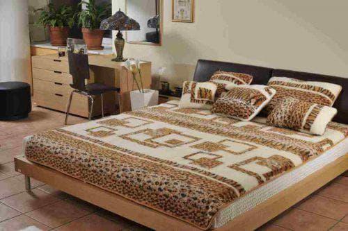 покрывало на кровать из шерсти производства Турции