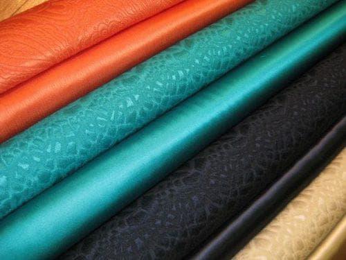 сорт плотной ткани из искусственного шелка