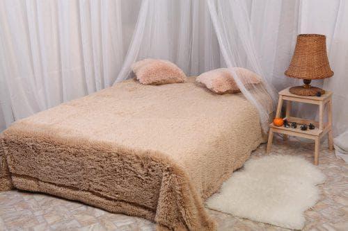 трикотажные покрывала на диван из искусственного меха