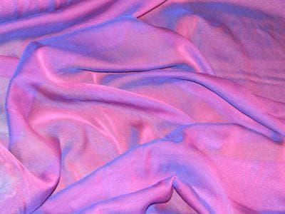 шифоновая ткань со свойствами хамелеона