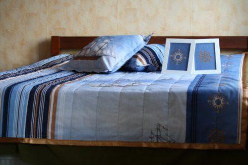 детское покрывало на кровать для мальчика тёмного цвета