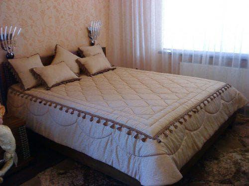 стеганное хлопковое покрывало на кровать с поролоном