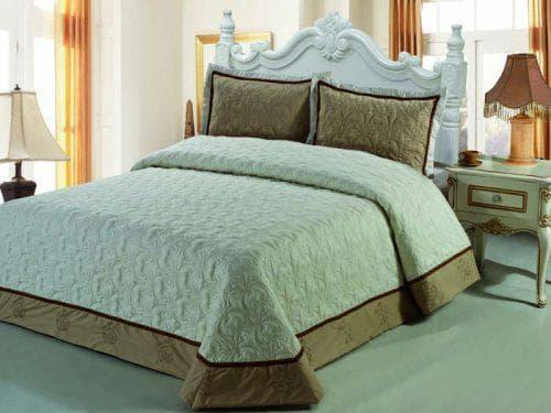 стеганное хлопковое покрывало на кровать с ватином