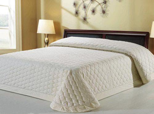 однотонное стеганное хлопковое покрывало на кровать