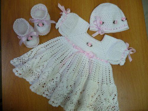 пинетки, косынка и полотенце для крестин для девочек