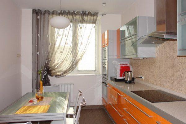 прозрачные шторы на кухню на одну сторону