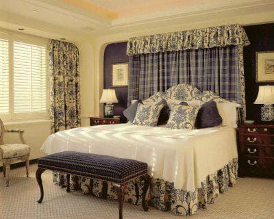 шторы на одну сторону для спальни в романтическом стиле
